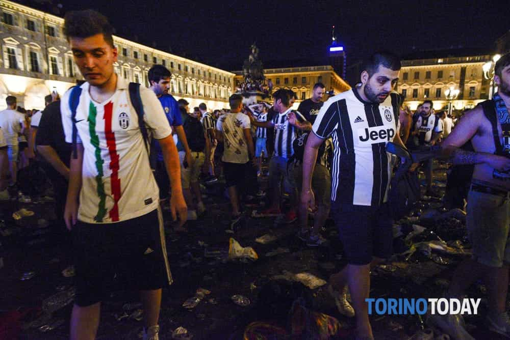 Giudice popolare senza green pass, saltano due udienze di un processo sulla tragedia di piazza San Carlo